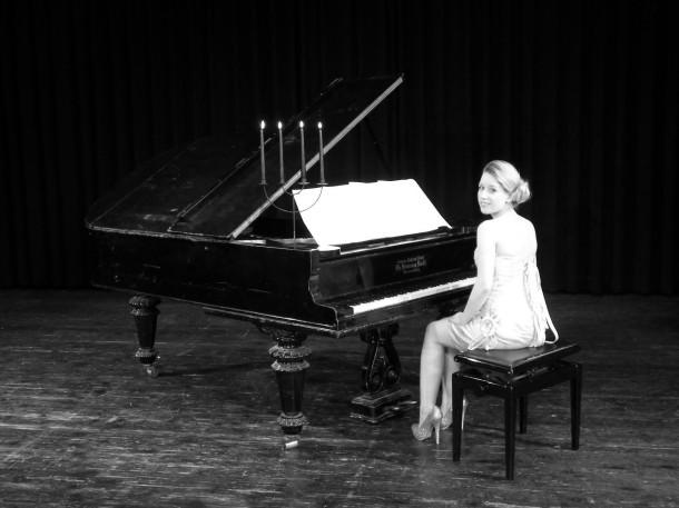 Juliane am Piano / Vocals / Coaching / Songwriter